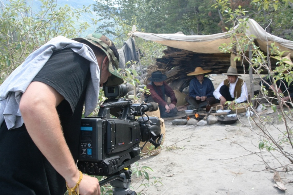 Camera Operator Justin Booth and Chinese Actors on the Fraser_W2R